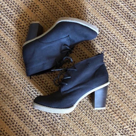 Old Navy Shoes - Suede ankle boots
